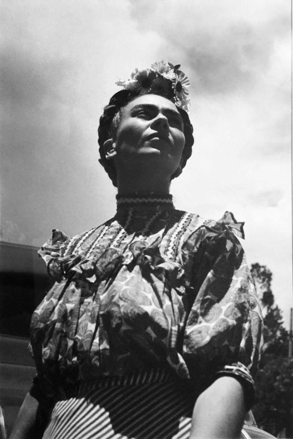 Frida en Coyoacán, México. Framed