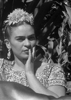 Frida en el jardín xochimilco, México. Framed