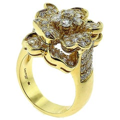 Leo Pizzo Signed Iconic Flower Pavé Diamond Ring Yellow Gold