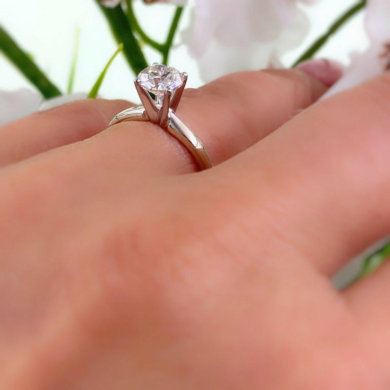 Leo Round Diamond 1.01 Carat Solitaire Ring Platinum and 18 Karat White Gold For Sale 6