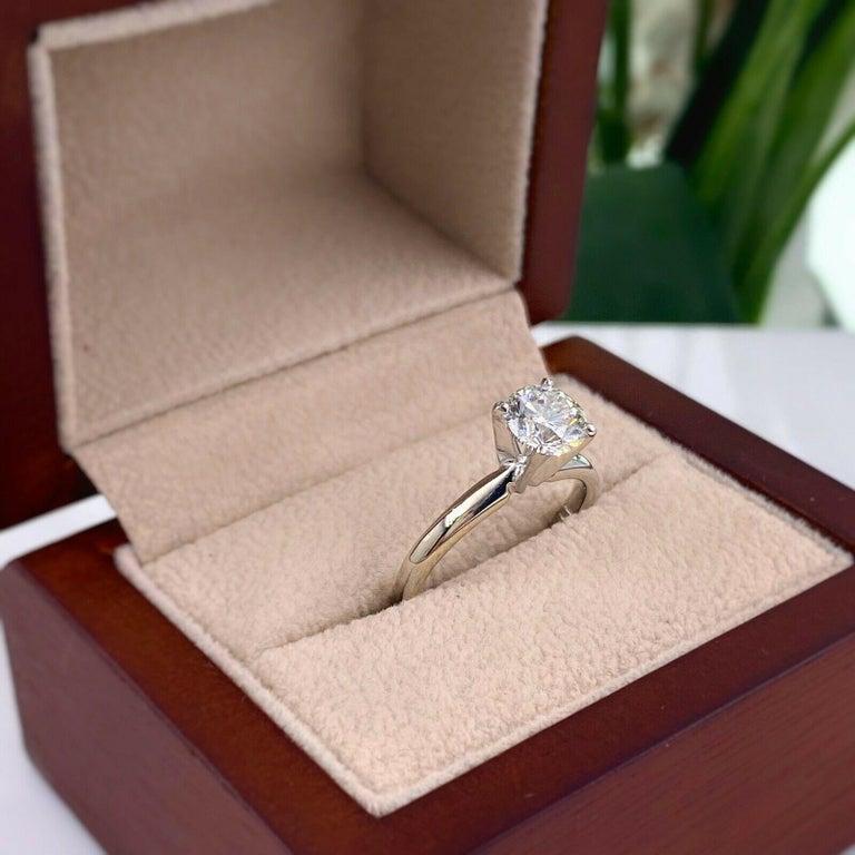 Women's or Men's Leo Round Diamond 1.01 Carat Solitaire Ring Platinum and 18 Karat White Gold For Sale