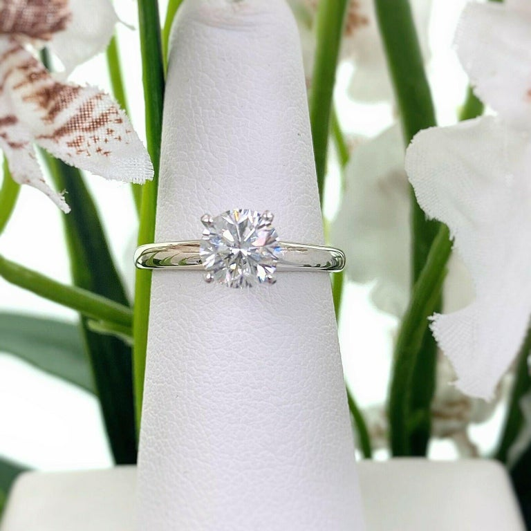 Leo Round Diamond 1.01 Carat Solitaire Ring Platinum and 18 Karat White Gold For Sale 2