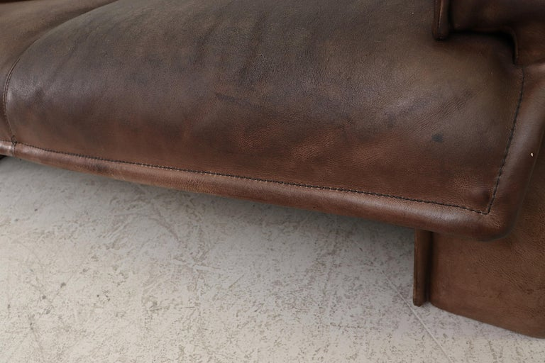 Well worn Leolux Buffalo Leather Love Seat For Sale 8