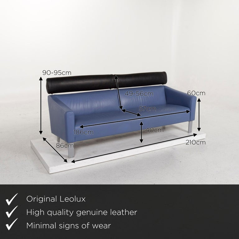 We present to you a Leolux leather sofa set blue 1 three-seat 1 two-seat couch.       Product measurements in centimeters:    Depth 86 Width 210 Height 90 Seat height 40 Rest height 60 Seat depth 57 Seat width 186 Back height 49.