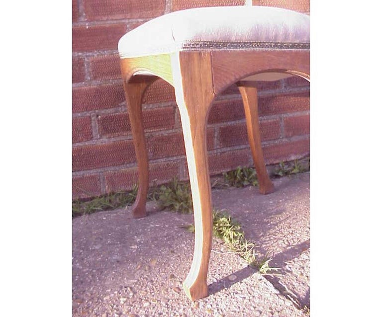 Leon Benouville, an Art Nouveau Oak Desk or Side Chair with Subtle Organic Lines In Good Condition For Sale In London, GB