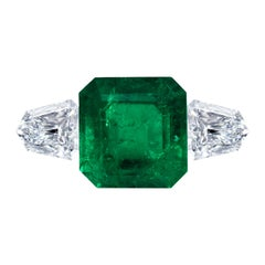 Leon Mege Natural Certified Colombian 8.49 Carat Emerald Ring Diamond Shields