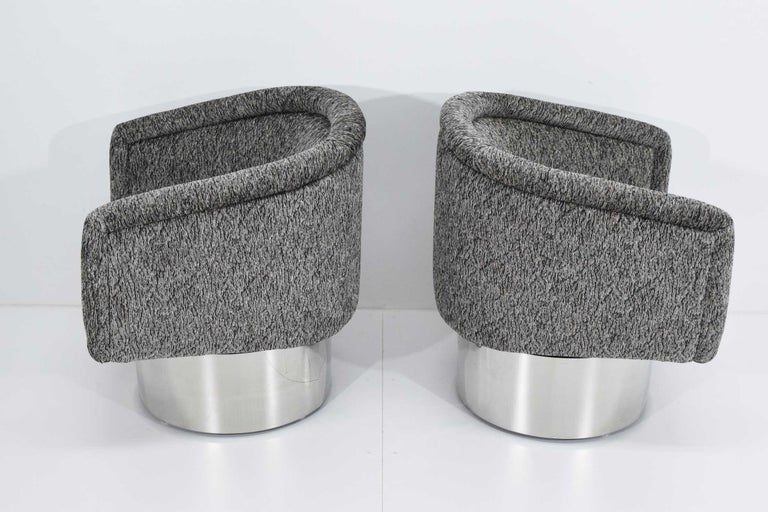 Leon Rosen for Pace Collection Pair of Swivel Tub Lounge Chairs In Excellent Condition For Sale In Dallas, TX