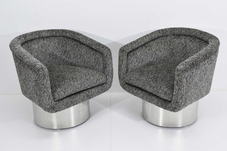 Leon Rosen for Pace Collection Pair of Swivel Tub Lounge Chairs For Sale 1