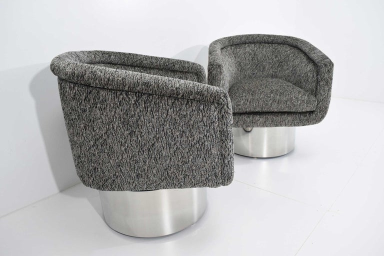 Leon Rosen for Pace Collection Pair of Swivel Tub Lounge Chairs For Sale 2