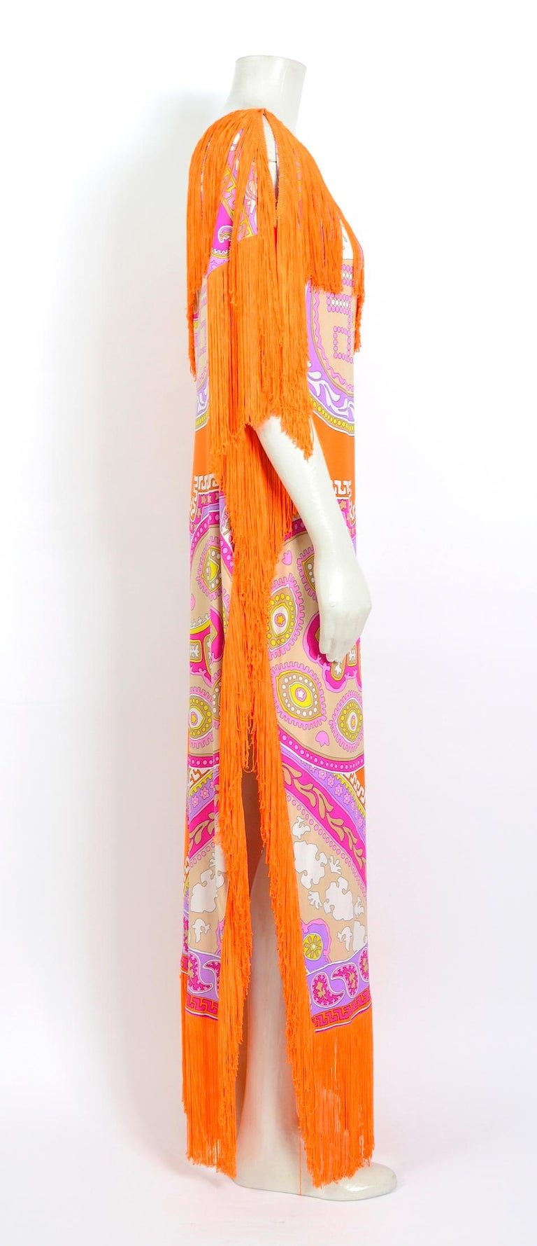 Women's Leonard Paris vintage 1970s extra large silk jersey printed fringed scarf For Sale