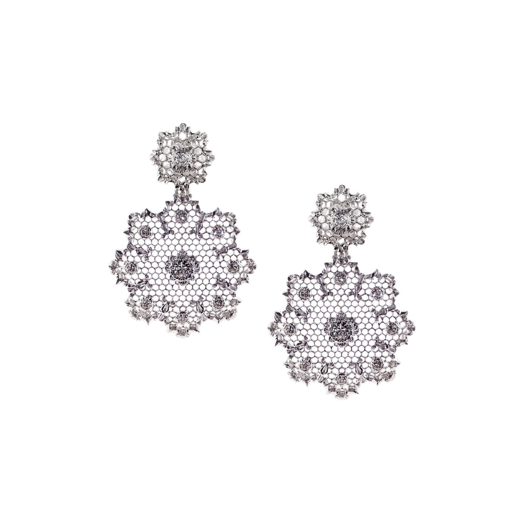Diamond 0.52 Carat 18Kt White Gold Dangling Earrings