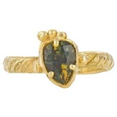 Leonids Ring with Australian Parti Sapphire, 18 Karat Yellow Gold