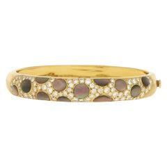 Black Mother of Pearl and Diamond Bangle in 18k Yellow Gold