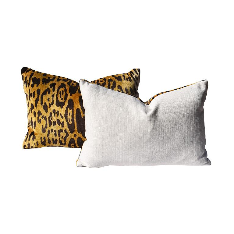 This listing is for two yards of Leopardo fabric.