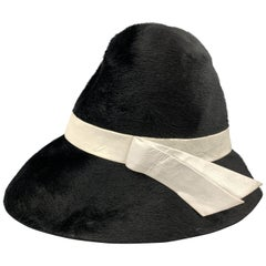 LESLIE JAMES Black Hair Textured Felt White Leather Strap Hat
