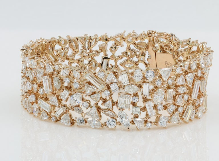 Lester Lampert Diamond Cluster Bracelet in 18Kt RG with over 30Ct of Diamonds In New Condition In Chicago, IL