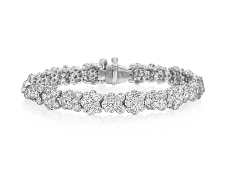 This stunning Lester Lampert original CumuLLus® diamond bracelet in 18kt. white gold has 204 ideal cut round diamonds= 17.56cts. t.w. The diamonds are G-H in color and VS in clarity.  The bracelet is 7 inches long.  Every Lester Lampert piece will