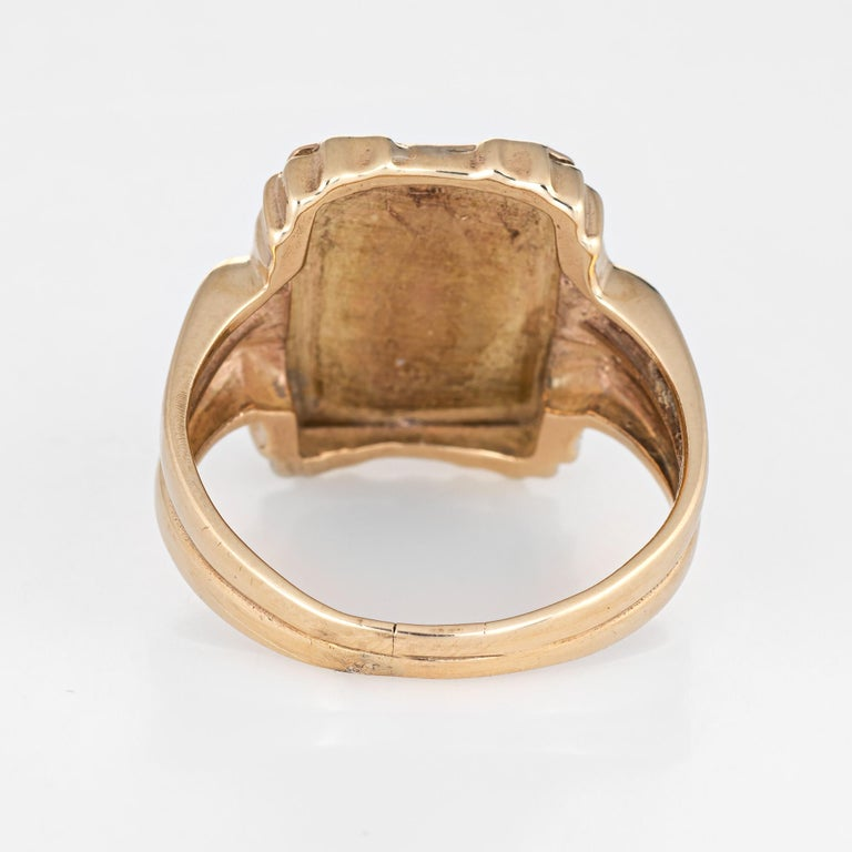 Letter Q Signet Ring Vintage 14 Karat Yellow Gold Square Men's Initial Jewelry In Good Condition For Sale In Torrance, CA