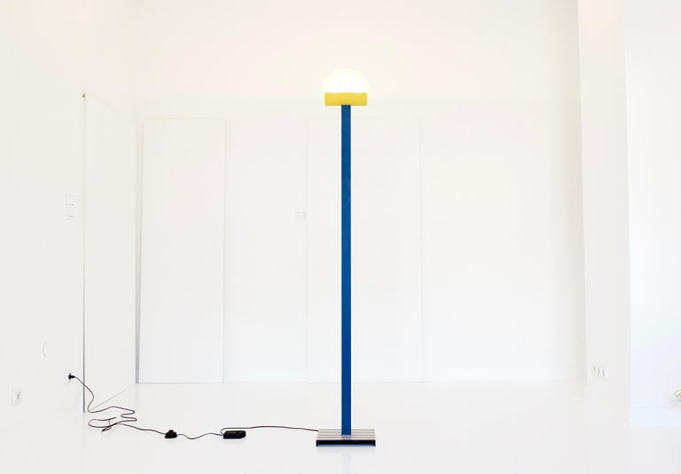 Post-Modern Leucos Floor Lamp with Vetri Murano Glass Shade Customized in Memphis Colors For Sale