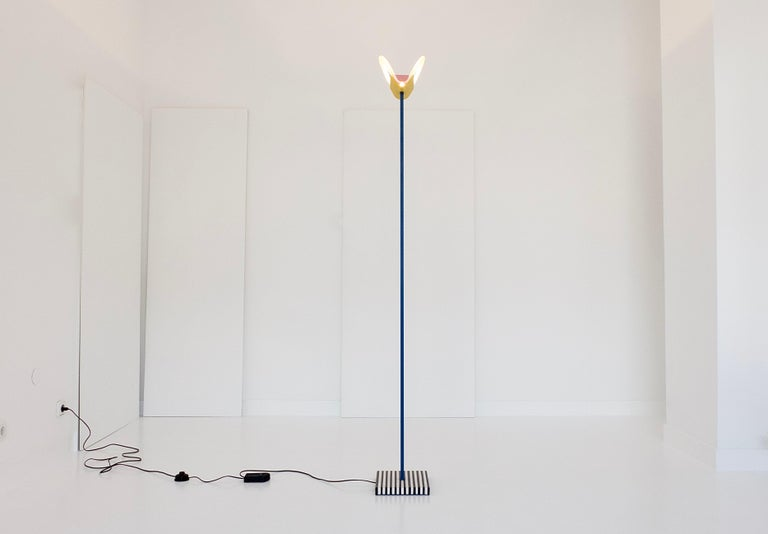 Leucos Floor Lamp with Vetri Murano Glass Shade Customized in Memphis Colors In Good Condition For Sale In Munster, NRW