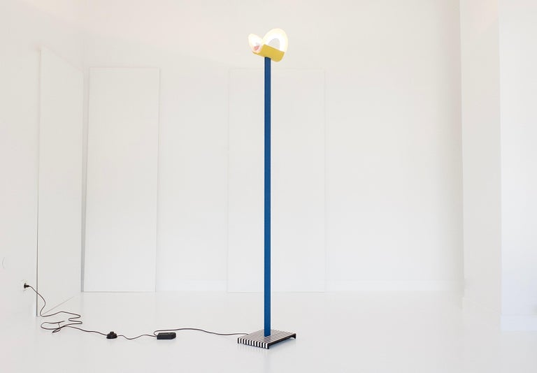 Leucos Floor Lamp with Vetri Murano Glass Shade Customized in Memphis Colors For Sale 1