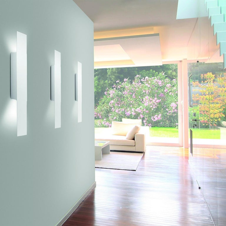 Leucos Opi P Wall Light in Matte White by Alessandro Piva In New Condition For Sale In Edison, NJ