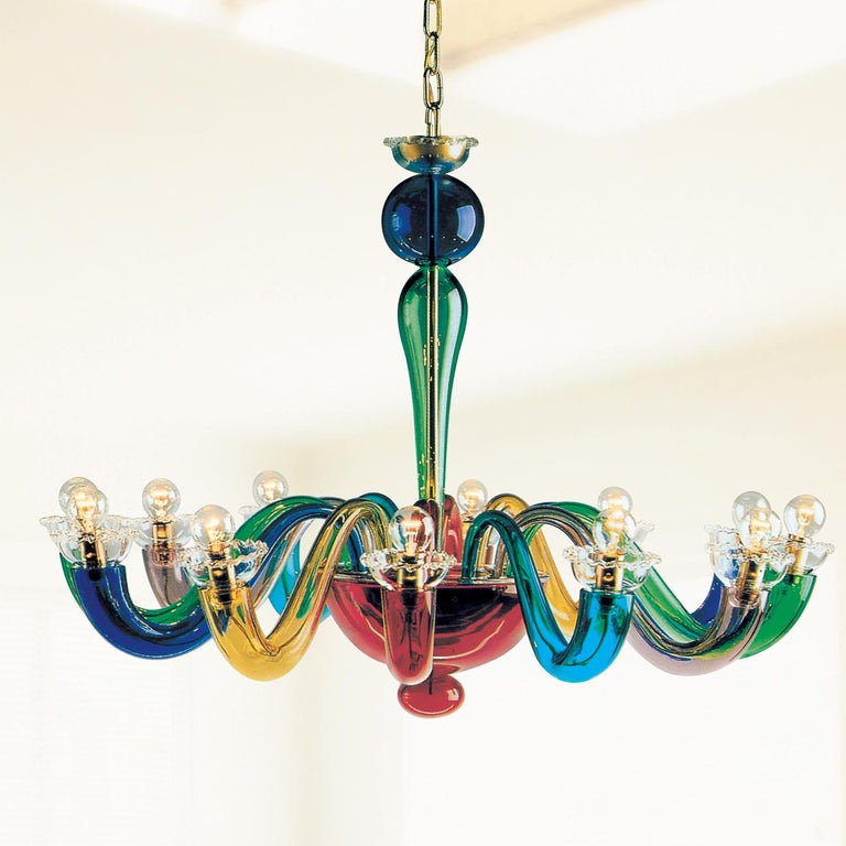 The Serenisima chandelier is a colorful lamp that perfectly mixes history, handmade craftsmanship and playfulness. Serenisima's design comes from the historical archives of Leucos and is an iconic example of bright, colorful Venetian glass used in a