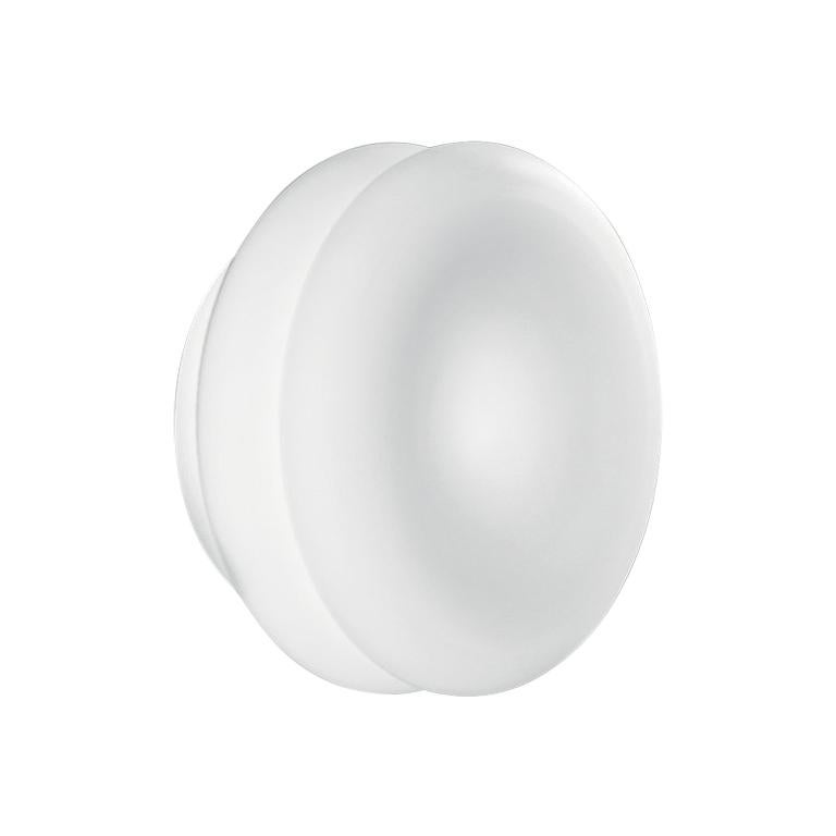 Leucos Wimpy 16 LED Sconce in White by Toso, Massari & Assoc. with G. Toso For Sale