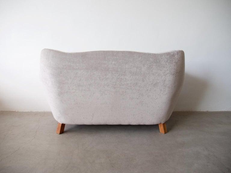 20th Century Levy Carlssons Mobelafarr Button Tufted Grey Velvet Sofa For Sale