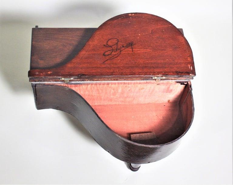 Liberace Autographed Vintage Schoenhut Toy Grand Piano For Sale 4