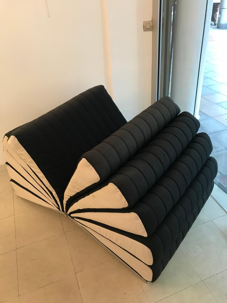 Libro Armchair In Excellent Condition For Sale In Paris, FR