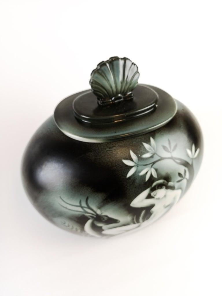 Lidded Urn Flambé Designed by Gunnar Nylund for Rörstrand, Sweden In Excellent Condition For Sale In Langserud, SE