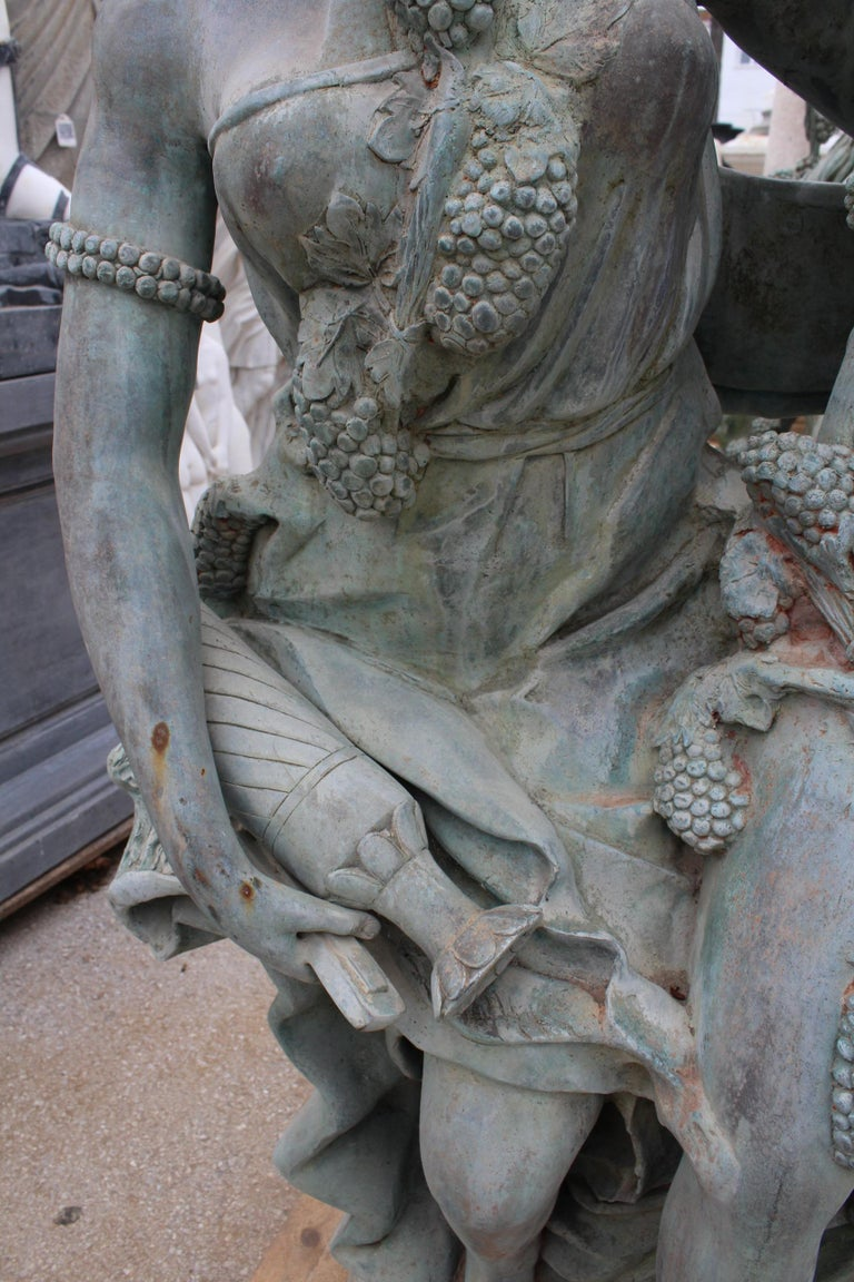 Life-Size Bronze Sculptures of Two Ladies and a Cherub In Good Condition For Sale In Malaga, ES