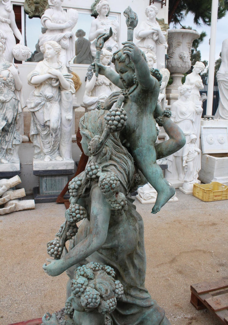 Life-Size Bronze Sculptures of Two Ladies with Cherubs In Good Condition For Sale In Malaga, ES
