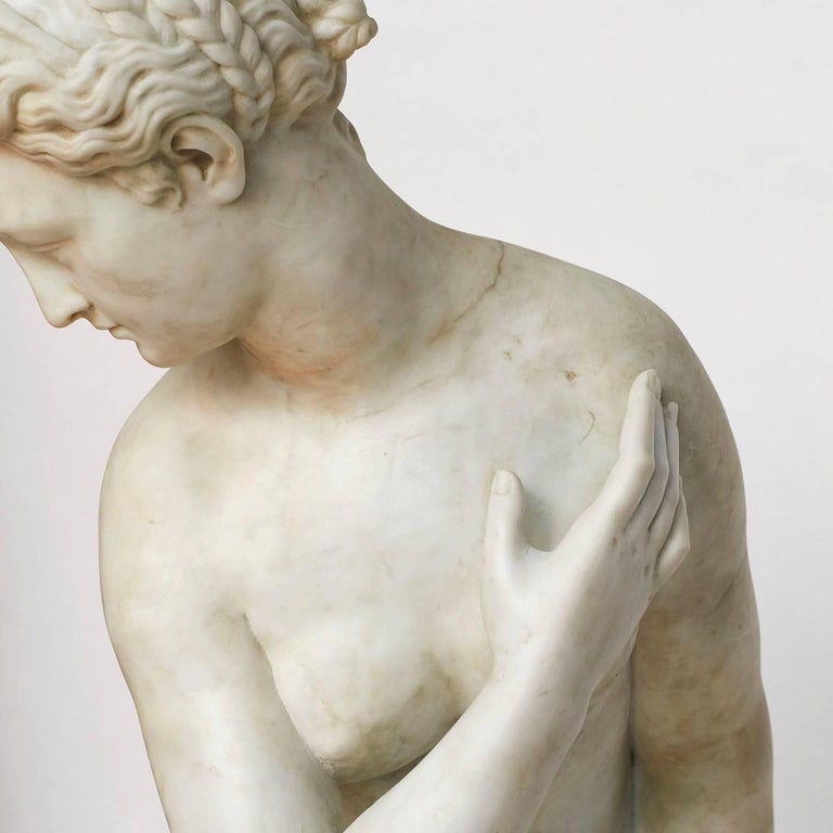 Lifesize Sculpture of Venus in White Statuary Marble, circa 1860s In Good Condition For Sale In Nordhavn, DK