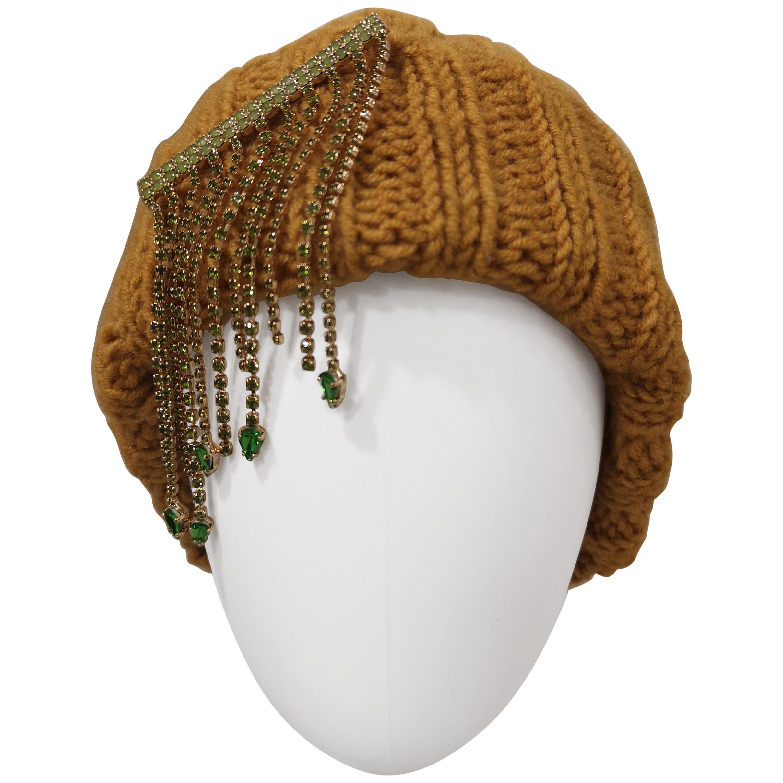 Light brown green swarovski stones brooch hat
