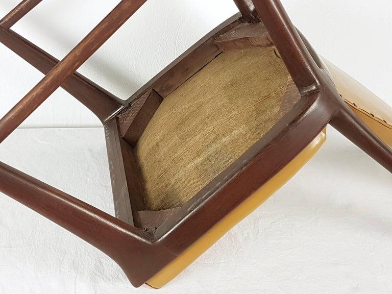 Light-Brown Skai & Wood 1940s Dining Chairs style of Osvaldo Borsani For Sale 5