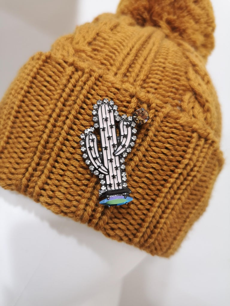 Light brown wool cactus brooch hat In New Condition For Sale In Capri, IT
