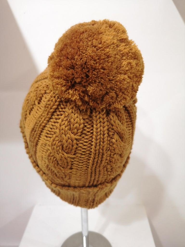 Light brown wool cactus brooch hat For Sale 1