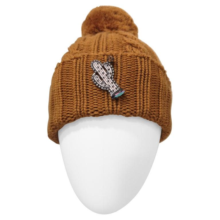 Light brown wool cactus brooch hat For Sale