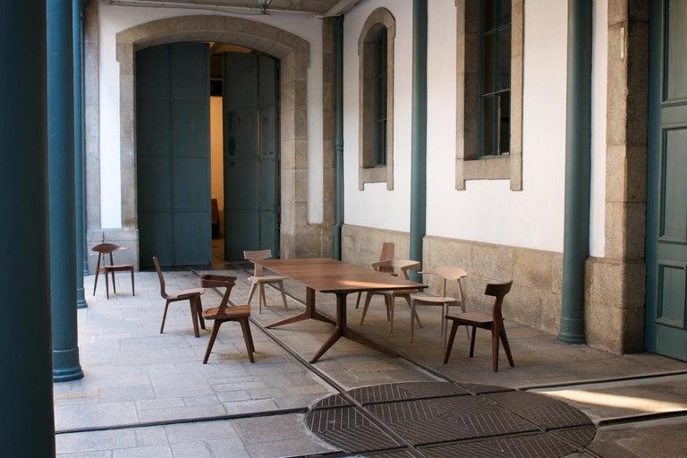 Modern Light Extending Dining Table in Walnut by Matthew Hilton For Sale