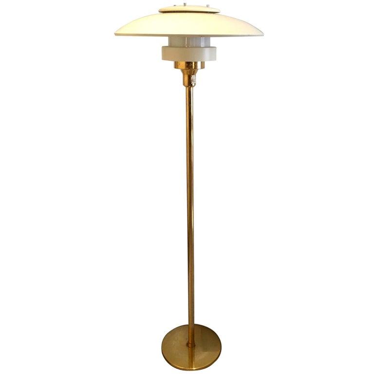 Light Studio by Horn Brass Floor Lamp, Model 1585 For Sale