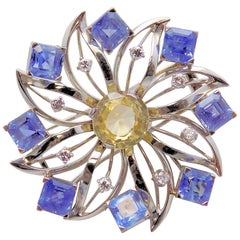 Light Yellow and Lavender-Blue Sapphire and Diamond Brooch/Fur Clip