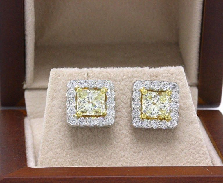 Light Yellow Princess Halo 3.96 TCW Diamond Earrings in 18K White & Yellow Gold In Excellent Condition For Sale In San Diego, CA