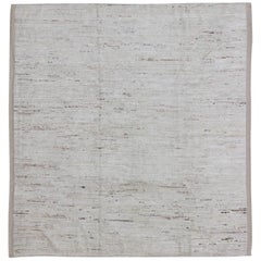 Lightly Colored Solid and Modern Design Square-Size Rug with Free-Flowing Effect