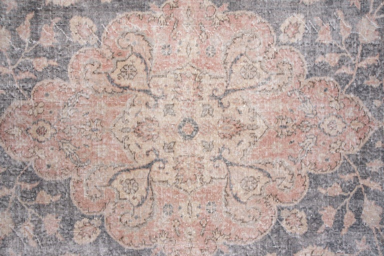 Lightly Distressed Oushak Carpet, Shabby Chic Style, Gray Field, Pink Border In Good Condition For Sale In New York, NY