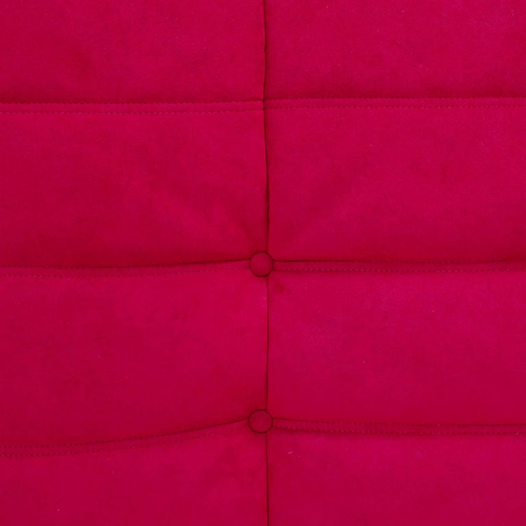 Ligne Roset by Michel Ducaroy Togo Red Suede Modular Two Seater Sofa In Good Condition For Sale In London, GB