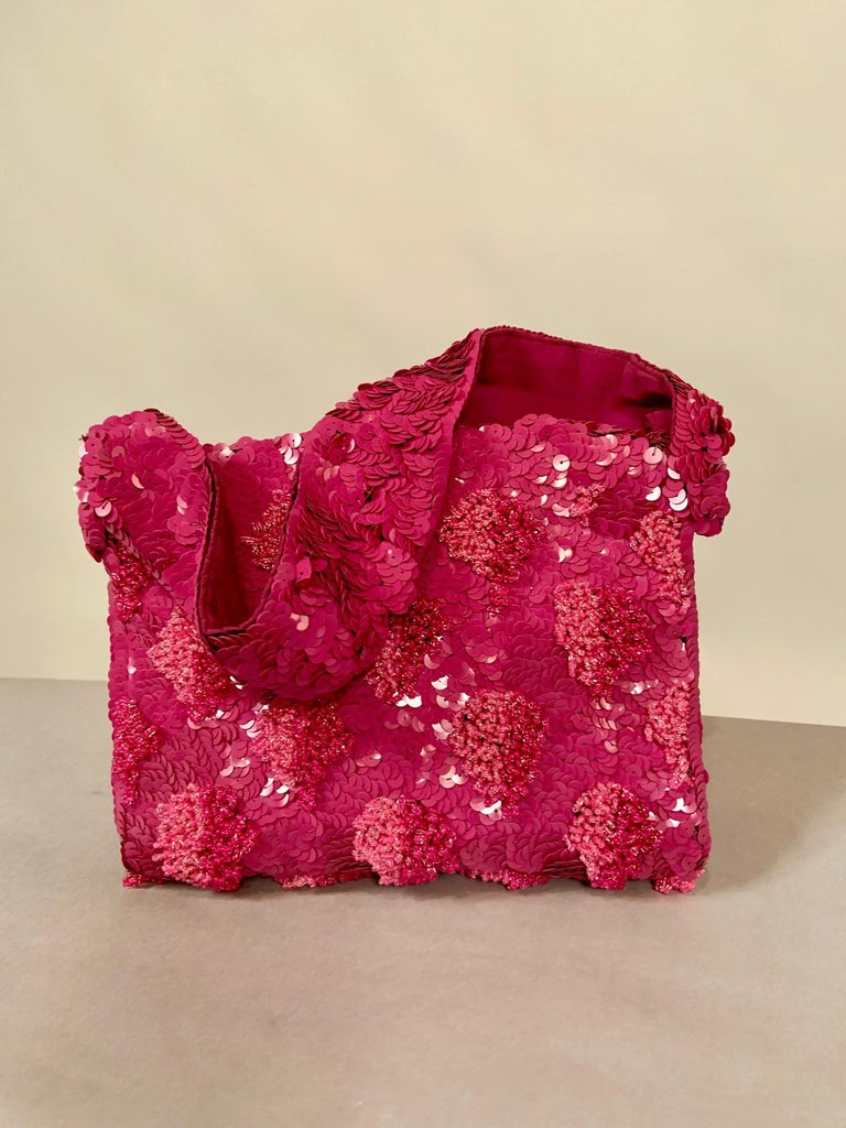 Red Lilac Beaded Evening Bag with Caviar Beadwork circa 1950 For Sale