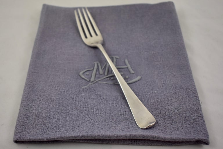 Lilac Linen Damask Hand-Embroidered French Provençal Dining Napkins, Set of 4 For Sale 5