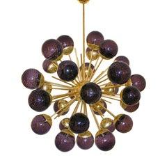 Lila Murano, Glas-Kugeln und Messingstangen, italienischer Sputnik Kronleuchter